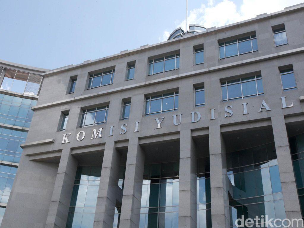 Sita Aset Yayasan Supersemar, Dwi Sugiarto Masuk Bursa Hakim Agung