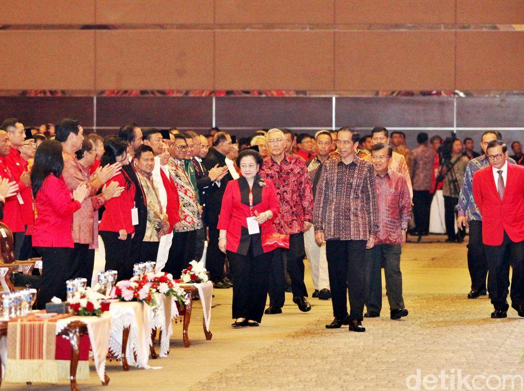 Jokowi Puji Megawati Setinggi Langit di HUT Ke-46 PDIP