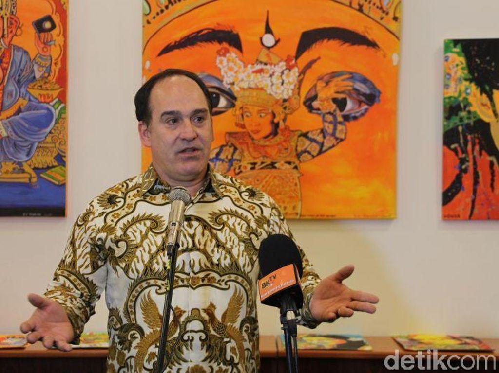 Serba Superlatif Testimoni Seniman Hongaria Tentang Bali