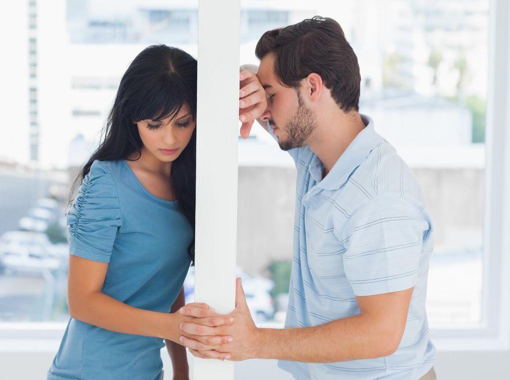 4 Rekomendasi Posisi Bercinta Agar Tak Canggung Saat Sedang Marahan