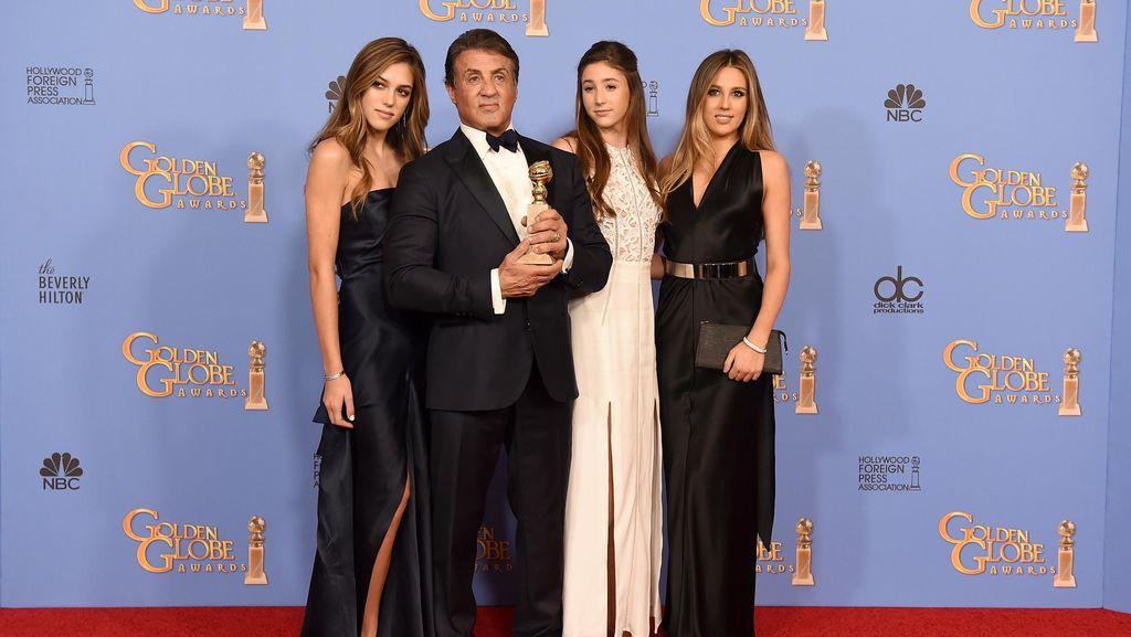 Sylvester Stallone Boyong Tiga Putrinya yang Cantik di Golden Globes