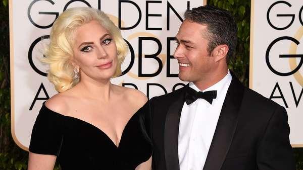 Penampilan Glamor Lady Gaga di Golden Globe 2016