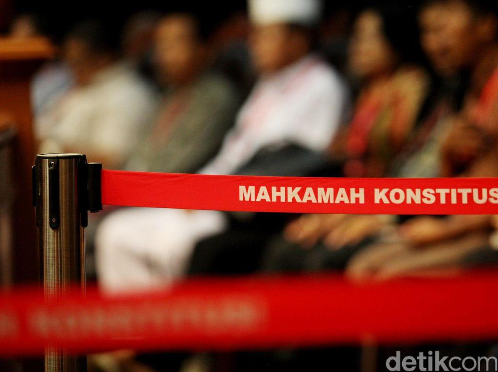 Tak Bawa Berkas Perbaikan, PAN ke Hakim MK: Boleh Pinjam Salinan Yang Mulia?