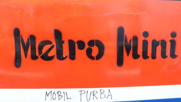 Cerita Indah Penumpang Setia Metromini (EBG-10)