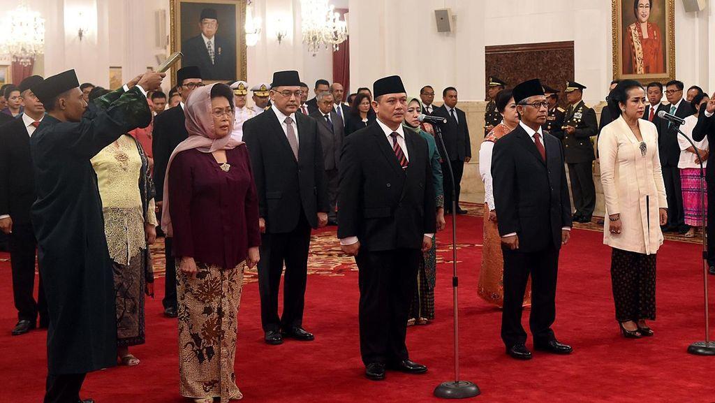 Jokowi Lantik 13 Dubes