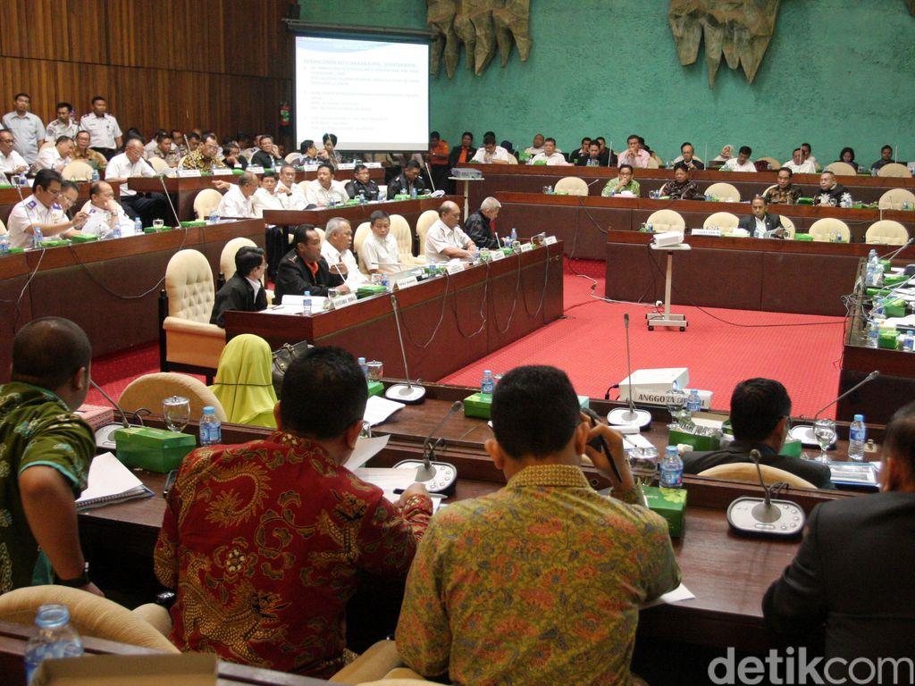 Komisi V Evaluasi Penanganan Transportasi Natal