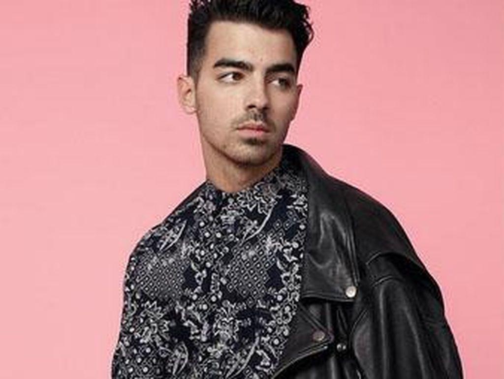 Joe Jonas Rambah Industri Mode Sebagai Model Brand Diesel