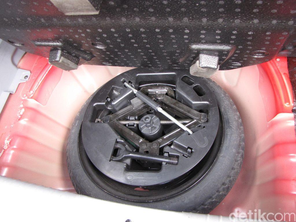 Nissan: Ban Serep Tak Ada Tempat di Era Mobil Listrik
