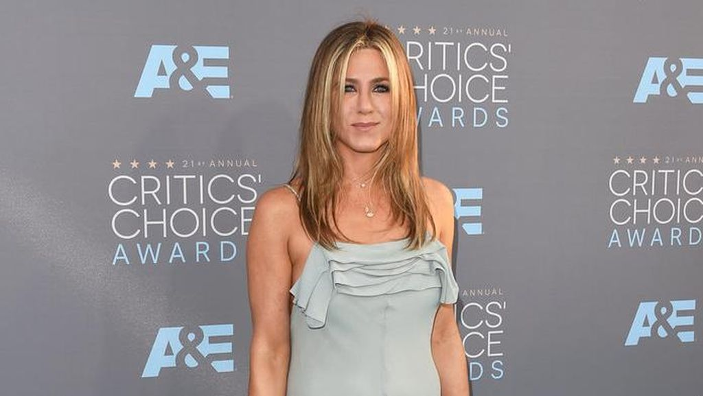 Pernah Diselingkuhi Brad Pitt, Ini Saran Cinta Jennifer Aniston
