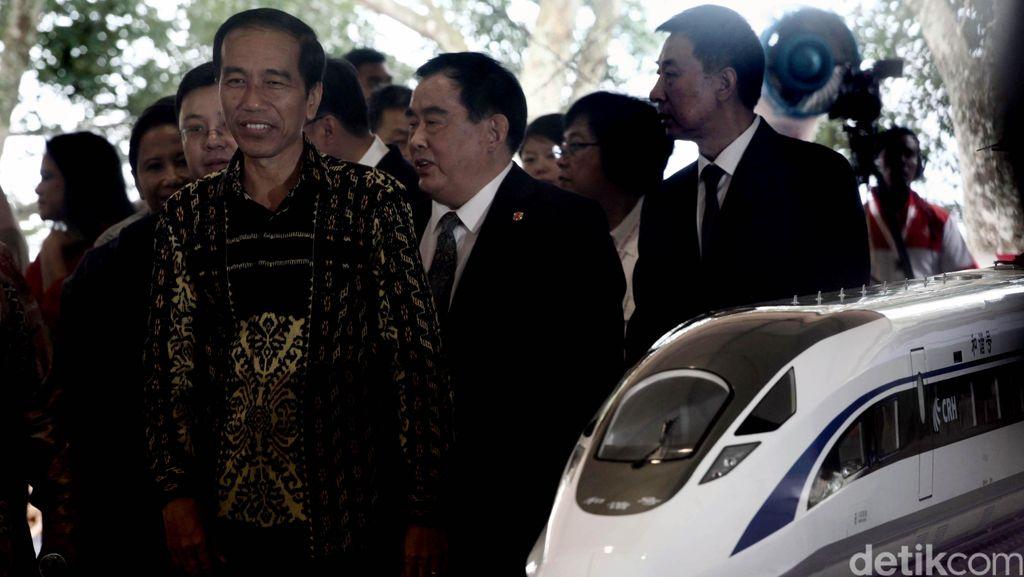 Throwback: Jokowi Groundbreaking Kereta Cepat JKT-BDG 2 Tahun Lalu