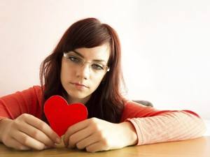 Buat yang Patah Hati, Ada 5 Cara Unik untuk Move On yang Layak Kamu Coba
