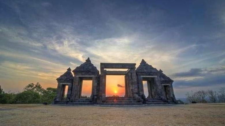Sunset di Candi Ratu Boko (Galuh Indah/dTraveler)