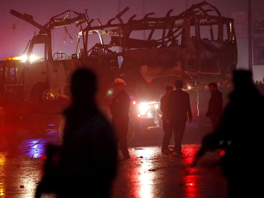 Bom Bunuh Diri Ledakkan Bus, 7 Orang Tewas