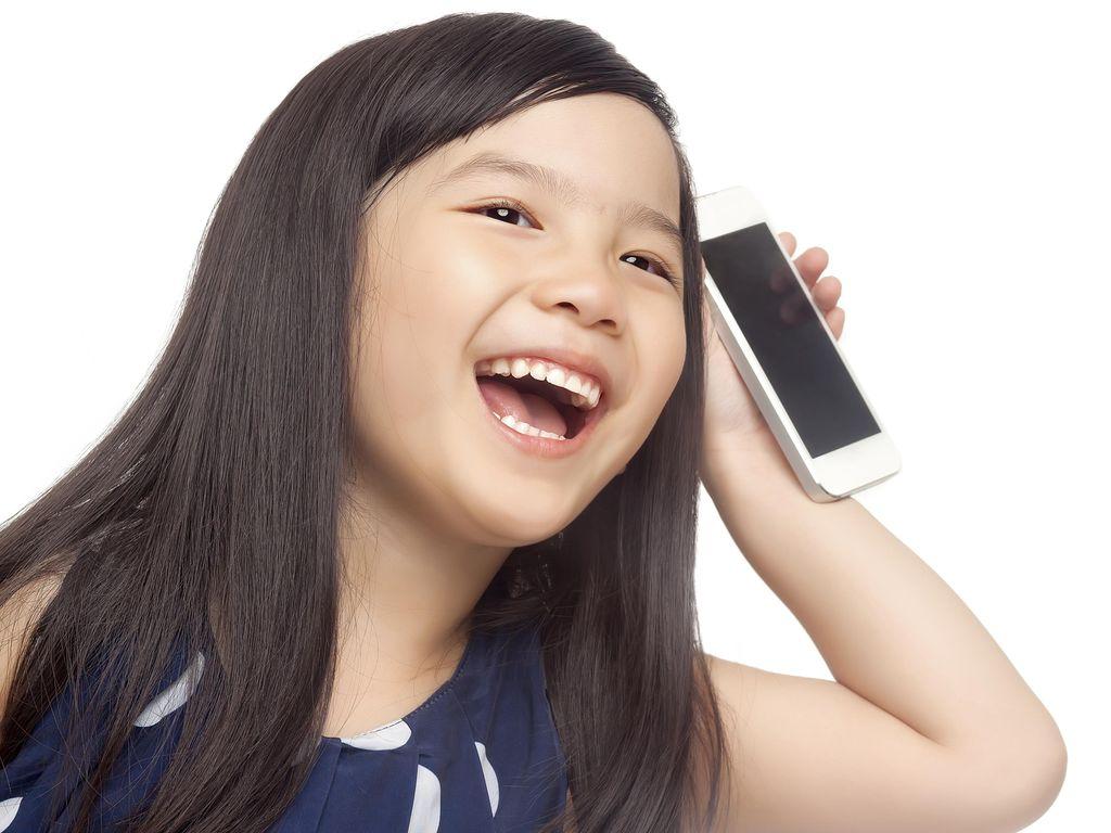 Sindir Orangtua, Bocah Ini Ingin Jadi Smartphone