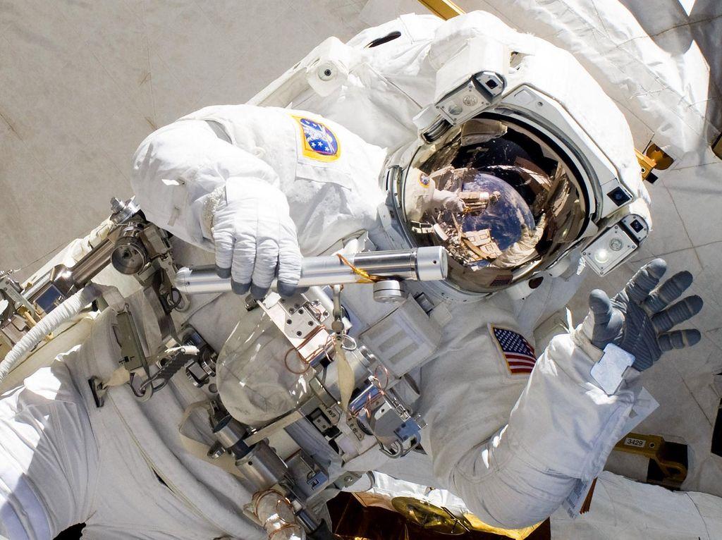 Mark Kelly, Astronaut Legendaris Terpilih Jadi Senator Amerika