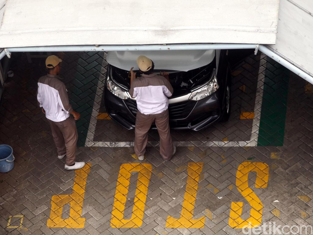 Ekspor Otomotif Naik Tipis Sepanjang 2015
