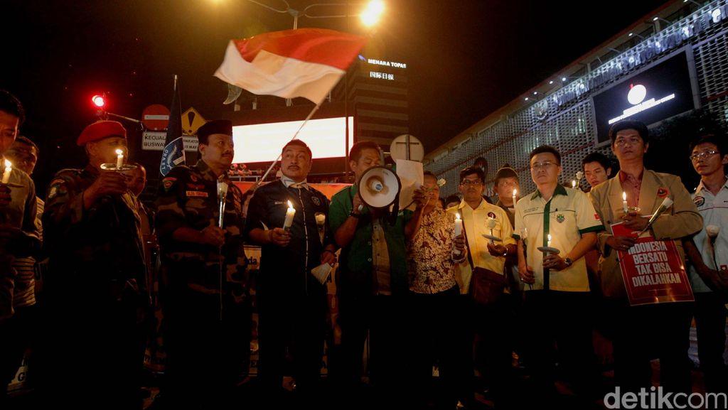 Aksi Simpatik untuk Korban Teror Bom Thamrin