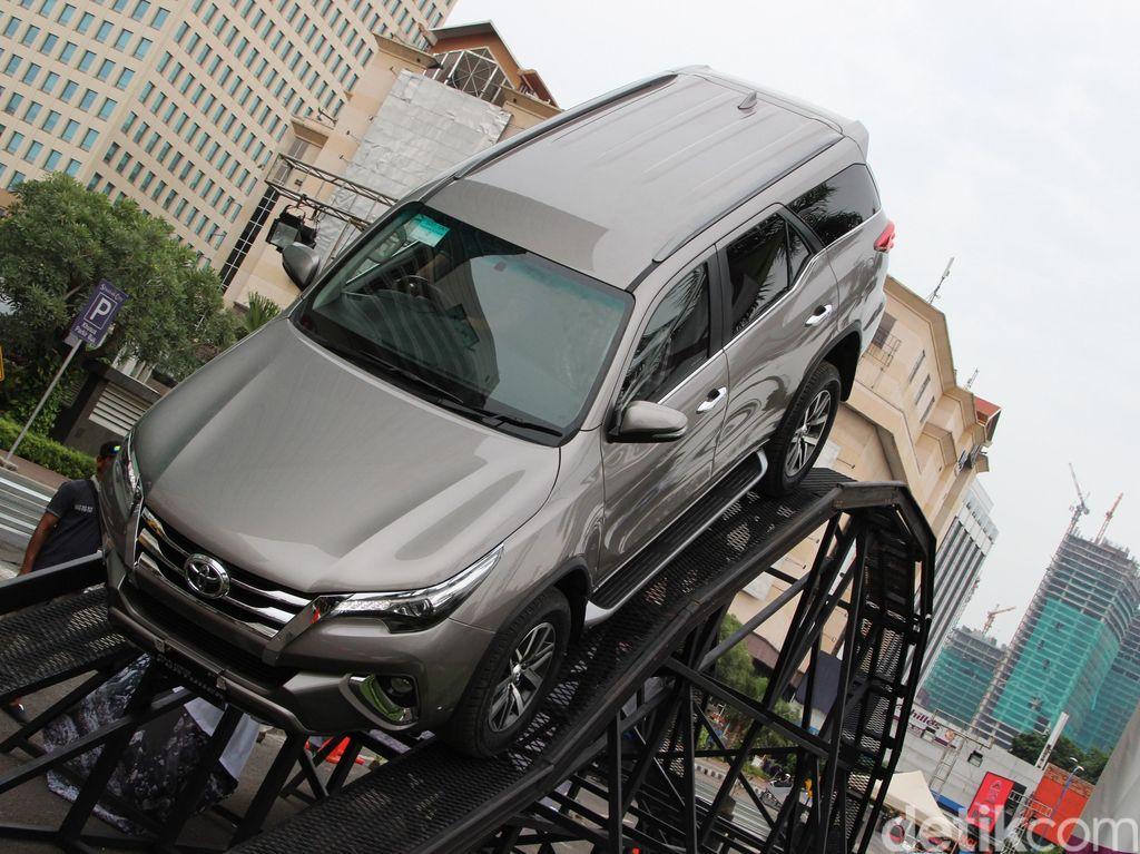 Toyota Santai Tanggapi Pesaing Fortuner yang Bakal Hadir di RI