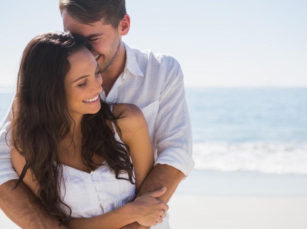 12 Urutan Zodiak yang Paling Setia Pada Pasangan