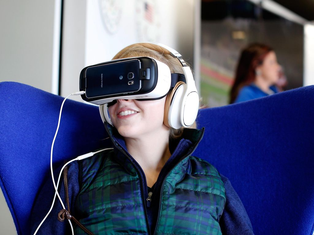 Headset VR Standalone Samsung Bernama Odyssey