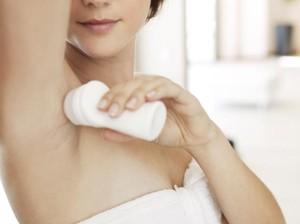 Cara Pakai Deodoran Agar Wanginya Tahan Lama Seharian