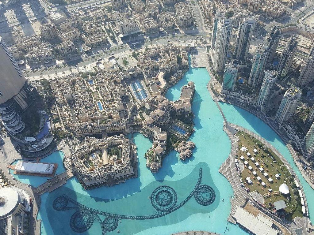 Naik ke Burj Khalifa, Serasa di Atas Langit