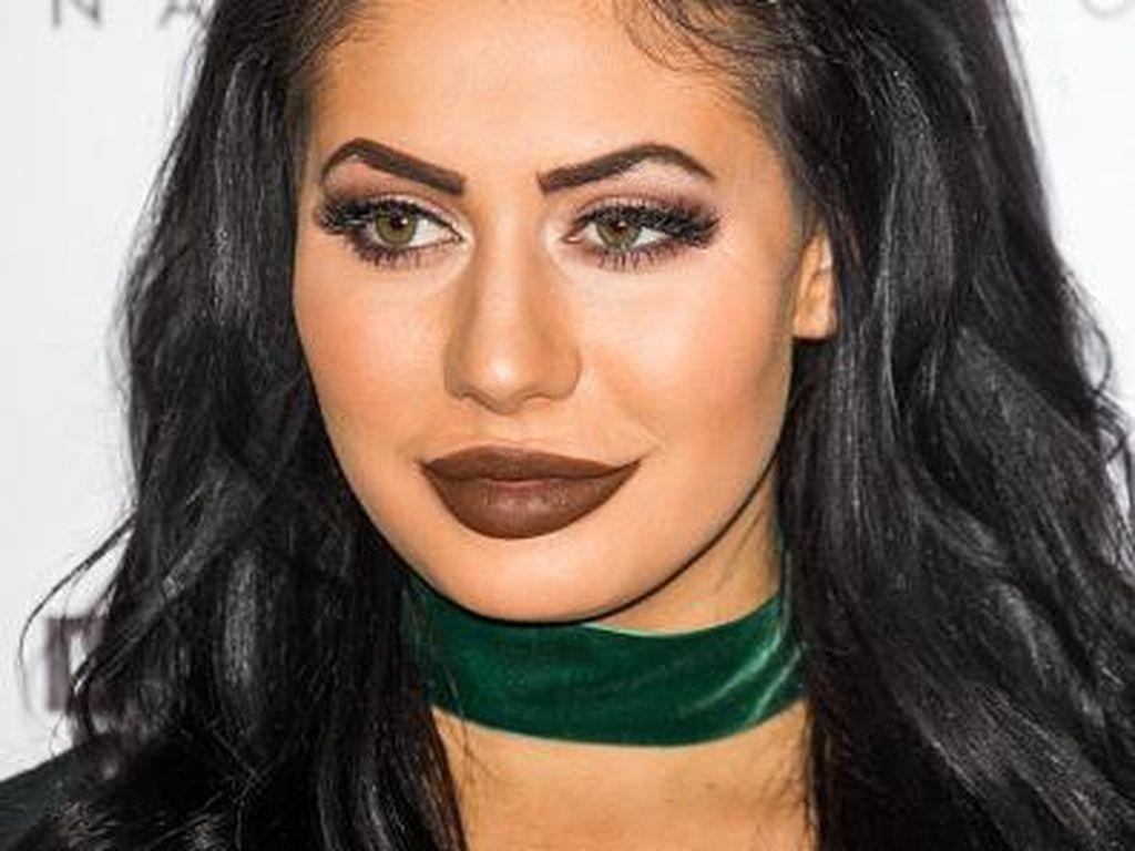 Penampilan Bintang Realiti TV yang Mirip dengan Kylie Jenner