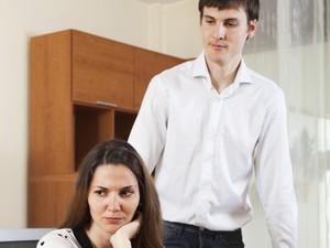 Pacar Overprotektif, Sampai Batas Mana Hubungan Bisa Dibilang Wajar?
