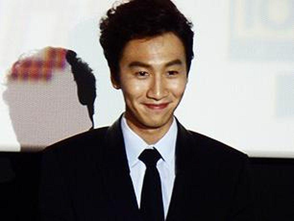 Akhirnya! Lee Kwang Soo Kembali ke Running Man usai Kecelakaan