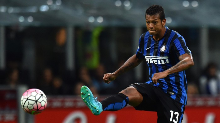 MILAN, ITALY - SEPTEMBER 23:  Fredy Guarin of Internazionale Milano in action during the Serie A match between FC Internazionale Milano and Hellas Verona FC at Stadio Giuseppe Meazza on September 23, 2015 in Milan, Italy.  (Photo by Tullio M. Puglia/Getty Images)
