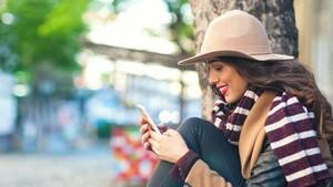 Gara-gara Smartphone, Makin Banyak Anak Muda Kena <i>Text Neck</i>