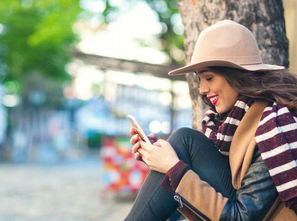Benarkah Radiasi Ponsel Bisa Picu Kanker Payudara?