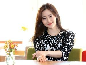 Pria Ini Dilaporkan Moon Chae Won karena Ngaku Sebagai Kekasihnya