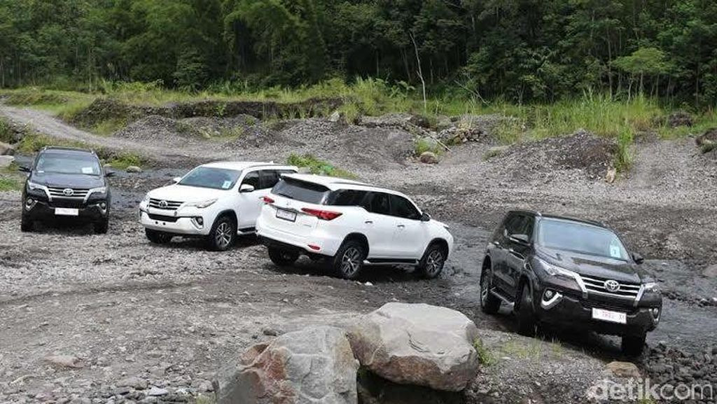 Toyota All New Fortuner Taklukkan Merapi