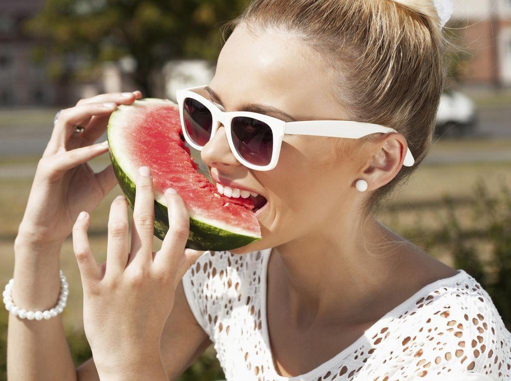 7 Buah Rendah Kalori Untuk Sahabat Dietmu