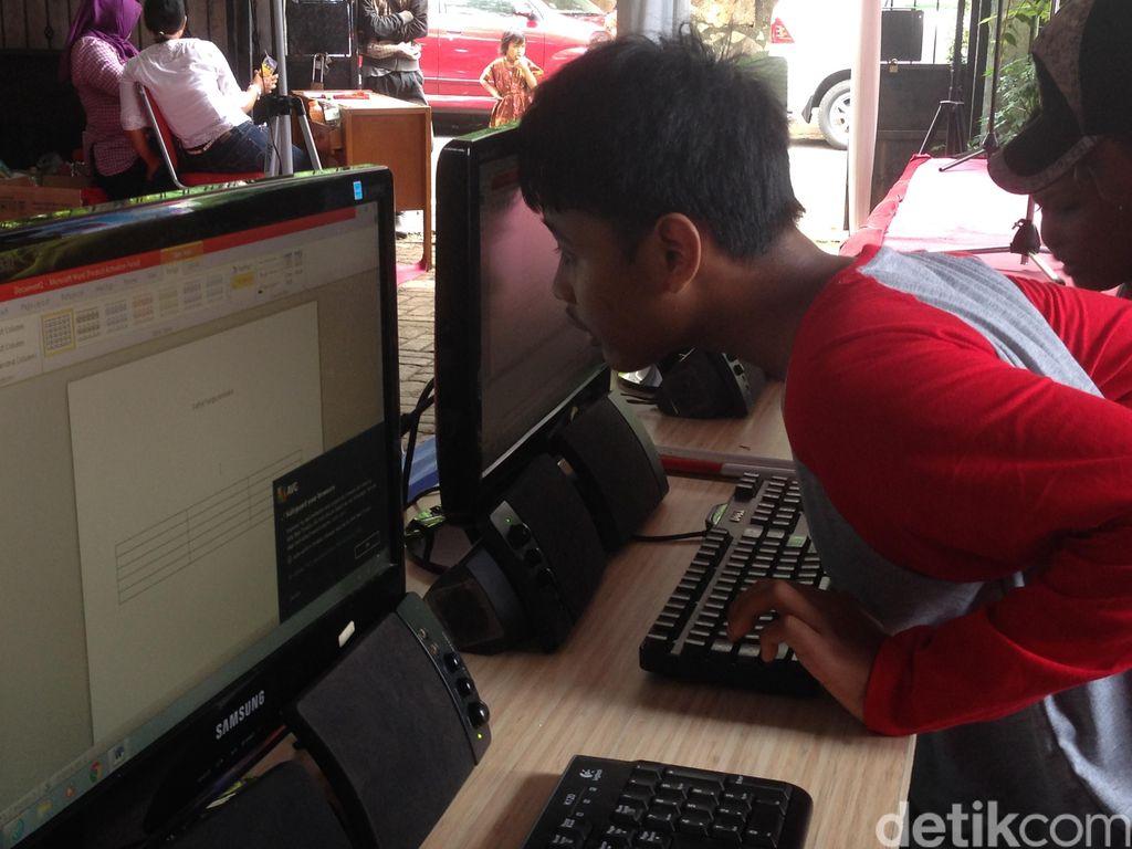 Kisah Inspiratif Anak-anak Tuna Netra: Mahir Operasikan Komputer
