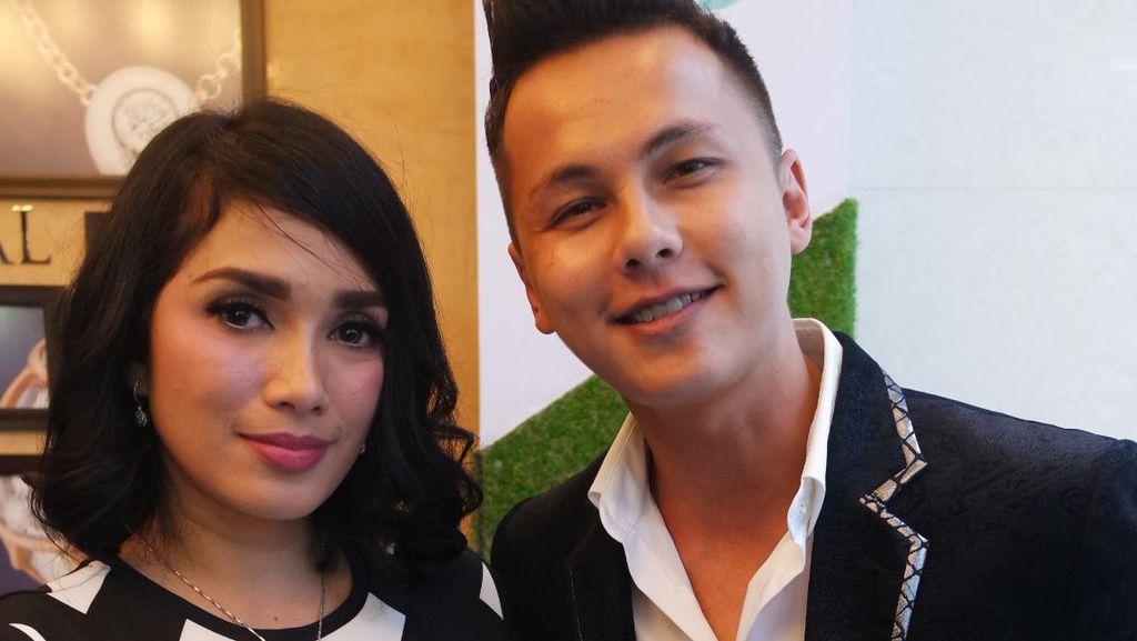 Cerita Ussy dan Andhika yang Mantap Merintis Bisnis Kosmetik