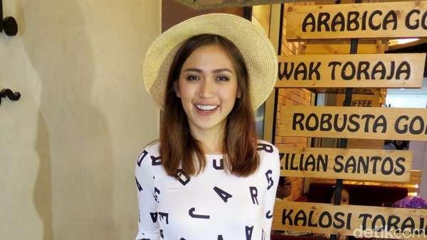 Jessica Iskandar Bercelana Robek, Yay or Nay?