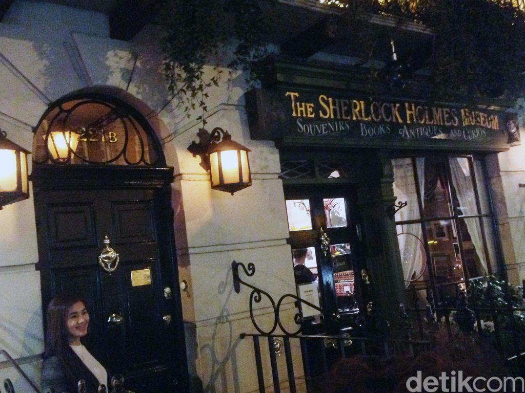 Berkunjung ke Rumah Sherlock Holmes