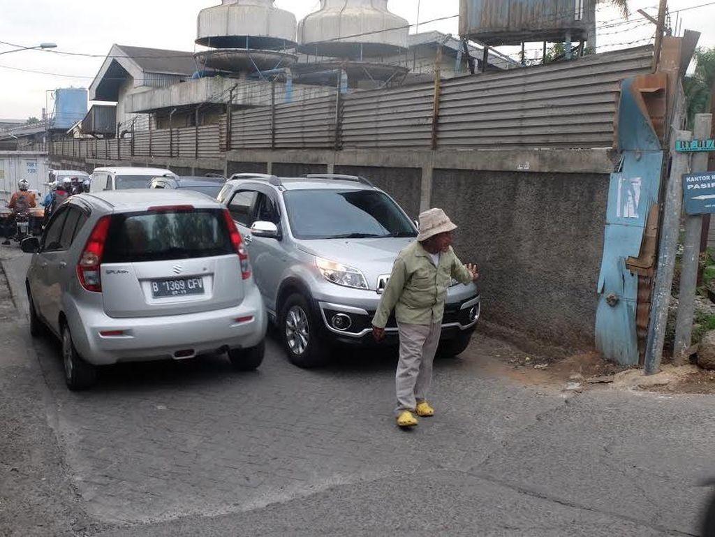 Urip Berharap Gubernur Rano Karno Bantu Pengobatannya