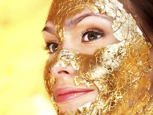 Waspada, Perawatan Emas Pada Wajah Memicu Alergi