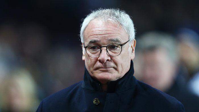 Claudio Ranieri menjadi korban perdana di rezim Abramovich. Ia dipecat meski dinilai sudah membangun pondasi dasar tim masa depan Chelsea yang diisi John Terry, William Gallas, dan Frank Lampard. (Foto: Getty Images Sport/Mark Thompson)