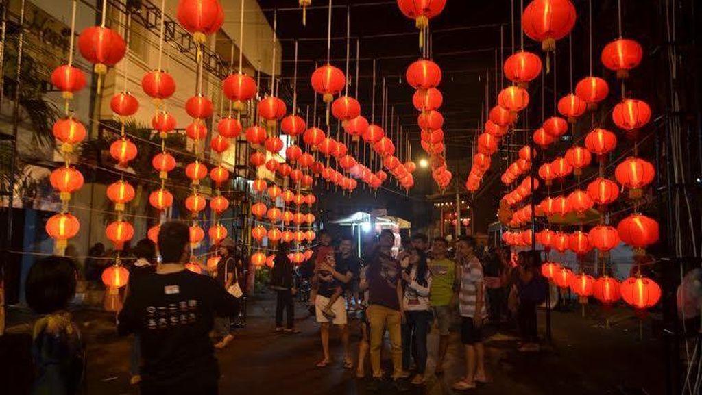Pasar Imlek Semawis Dimulai di Semarang, Wisatawan Membludak