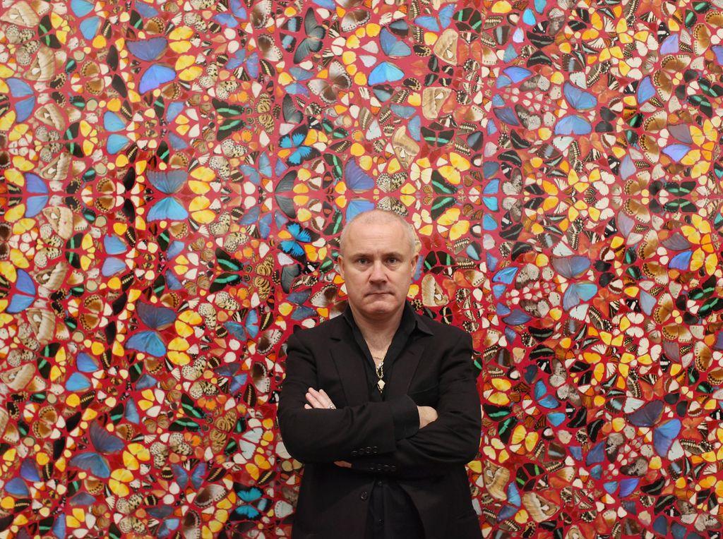 Seniman Terkaya di Inggris Galang Dana Lawan Corona Jual Karya Seni