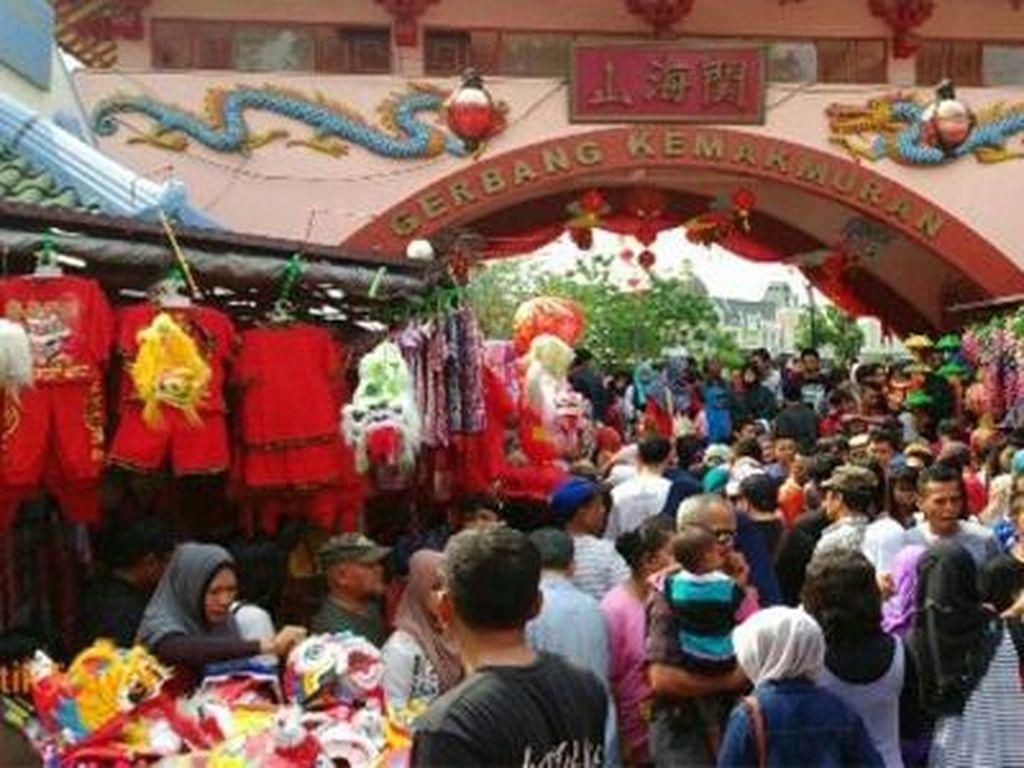Begini Meriahnya Imlek di Kampung China Cibubur
