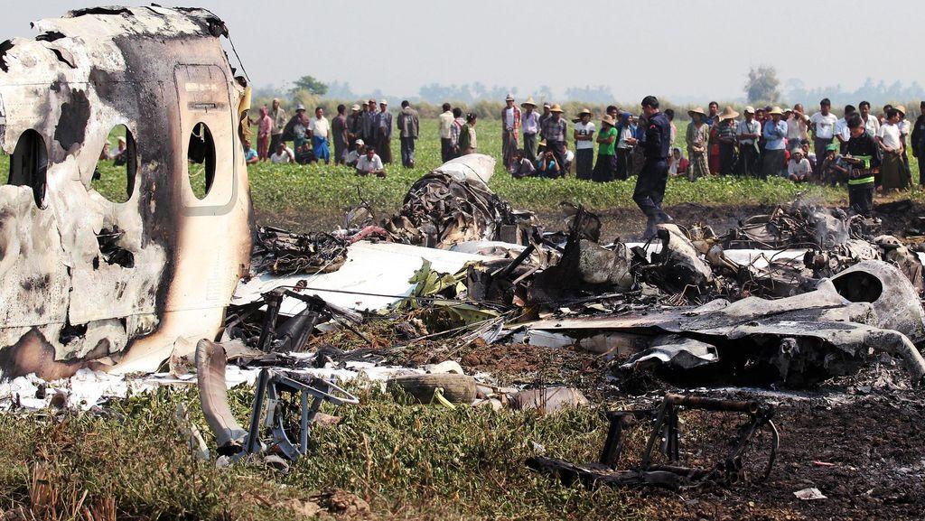 Pesawat Militer Myanmar Jatuh, 4 Tentara Tewas