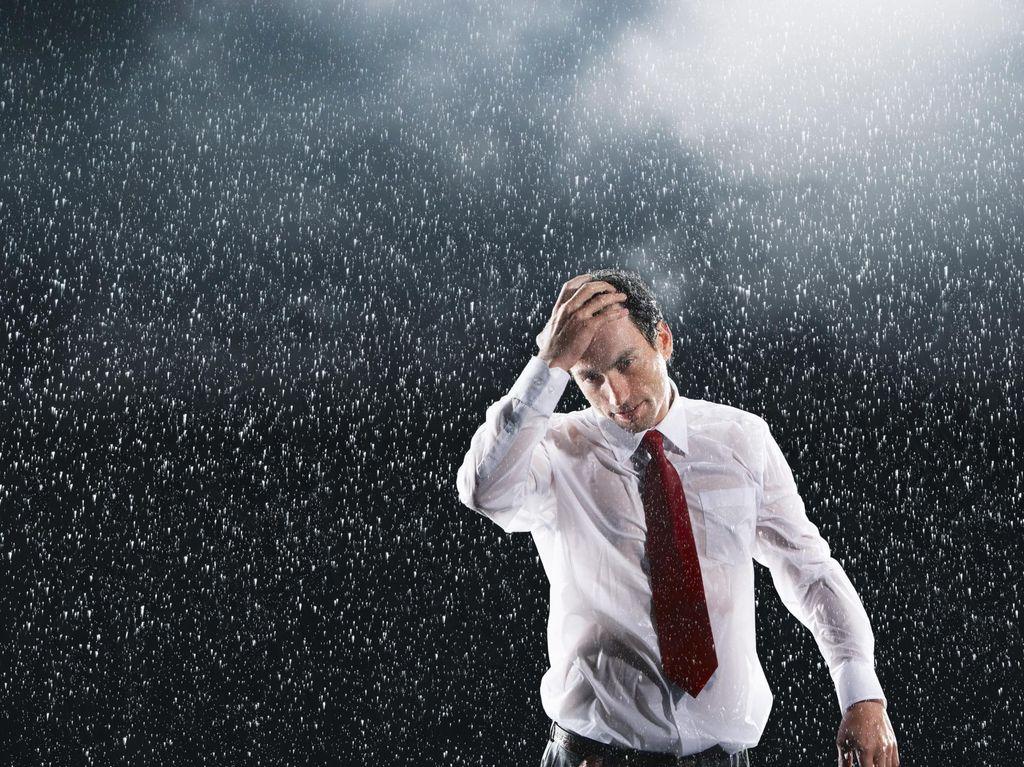 BMKG Prediksi Jaktim dan Jaksel Diguyur Hujan Lebat di Sore Hari