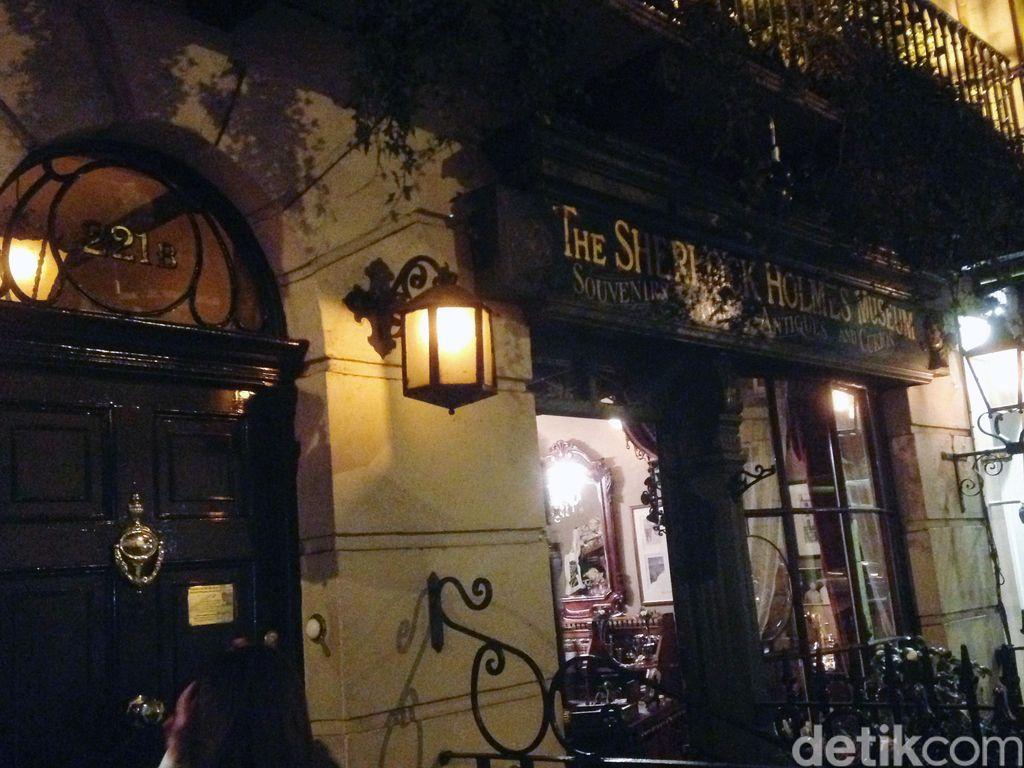 Mengintip Rumah Sherlock Holmes