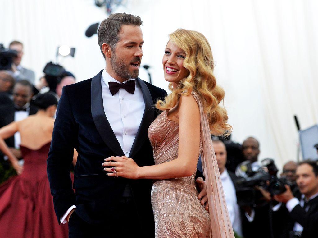 Salut! Ryan Reynolds-Blake Lively Sumbang 1 Juta Dolar untuk Korban Corona