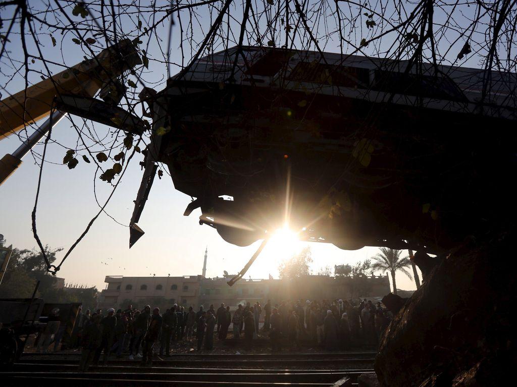 Tabrakan Dua Kereta di Mesir Tewaskan 32 Orang